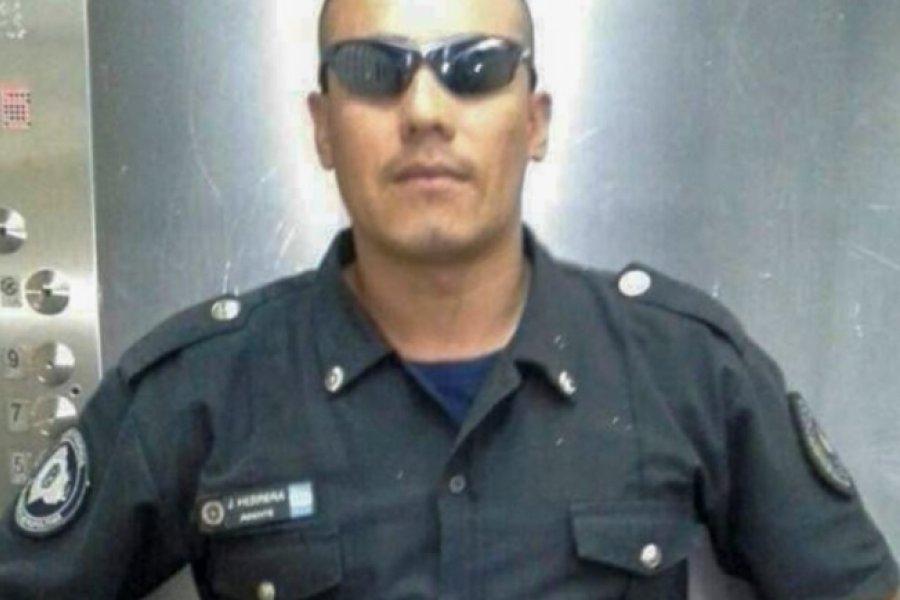 Un policía mató a su hija de 6 años de un tiro mientras discutía con su mujer