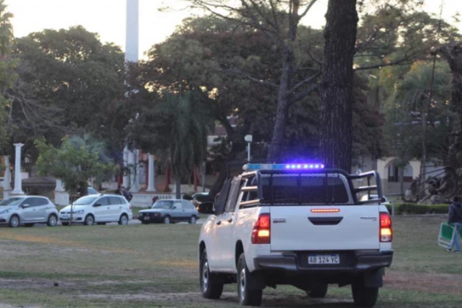 Prohibieron la permanencia en espacios públicos de Corrientes durante el día