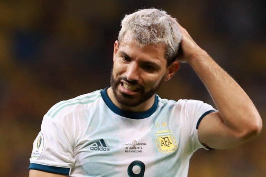 Sergio Agüero dio positivo en un test rápido y no viaja con la Selección