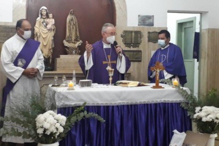Monseñor Stanovnik presidirá una misa en el Hospital de Campaña
