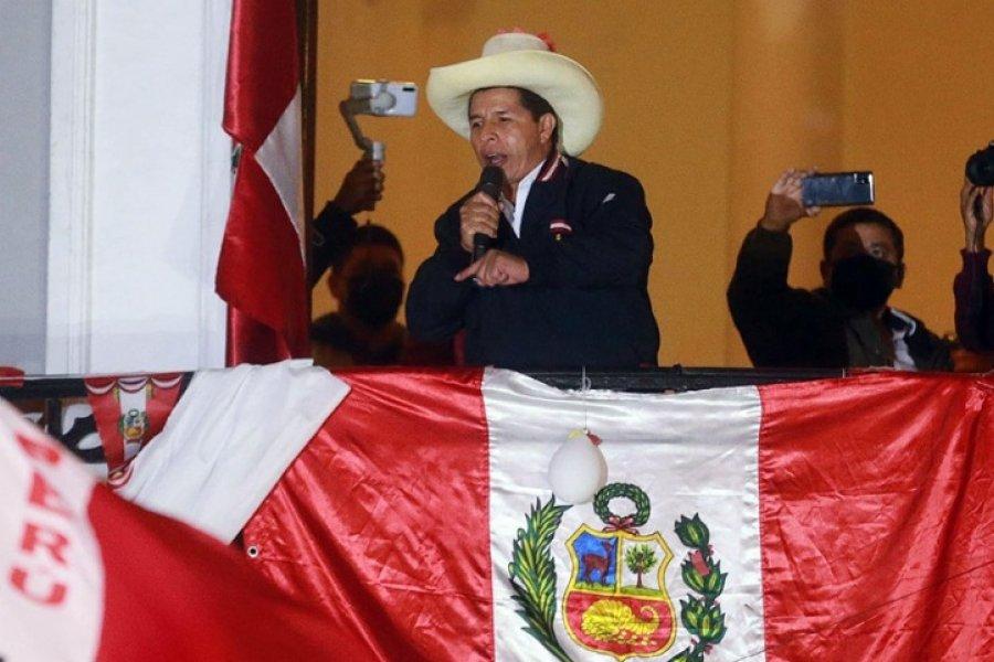 Castillo se adjudicó el triunfo en el balotaje presidencial