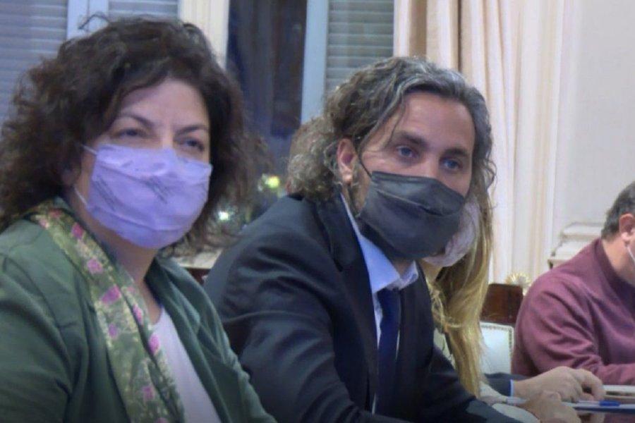 Cafiero y Vizzotti evalúan junto a expertos cómo siguen las restricciones