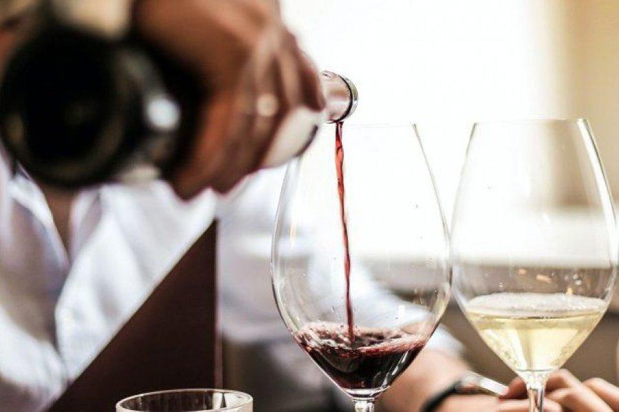AFIP subasta más de mil cajas con botellas de vino y champagne
