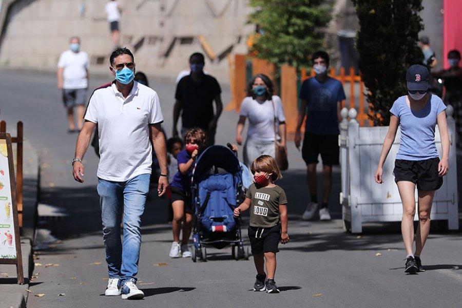 Francia detectó un foco de contagio de la variante Delta del coronavirus en un instituto