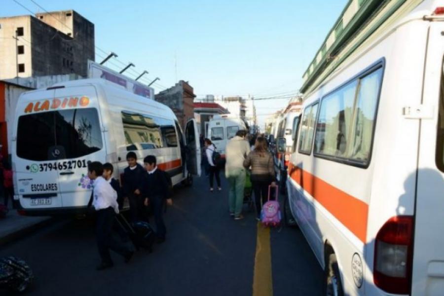 Transportistas escolares reciben la asistencia del Gobierno provincial