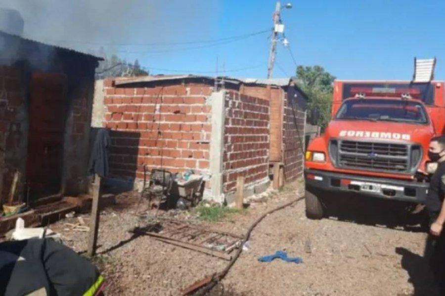 Se incendió una casa con seis chicos que fueron encerrados por sus padres