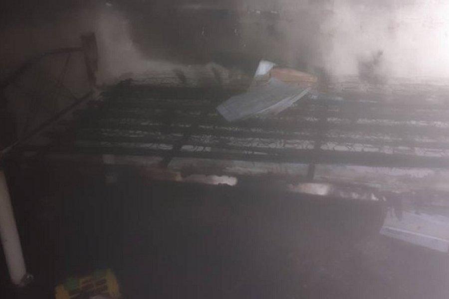 Corrientes: Dos niños jugaban con un encendedor y se incendió una vivienda