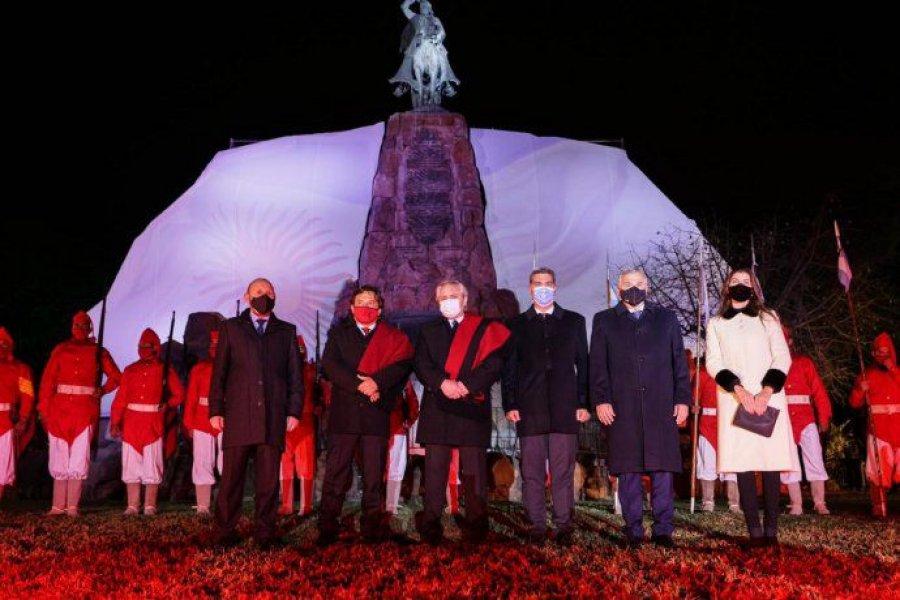 Alberto Fernández participa en Salta de los actos por el bicentenario de la muerte de Miguel de Güemes