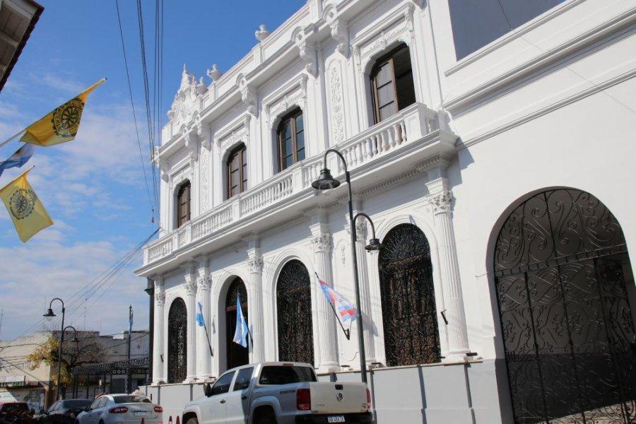 Capital: Inicia el pago del aguinaldo y el plus a trabajadores municipales