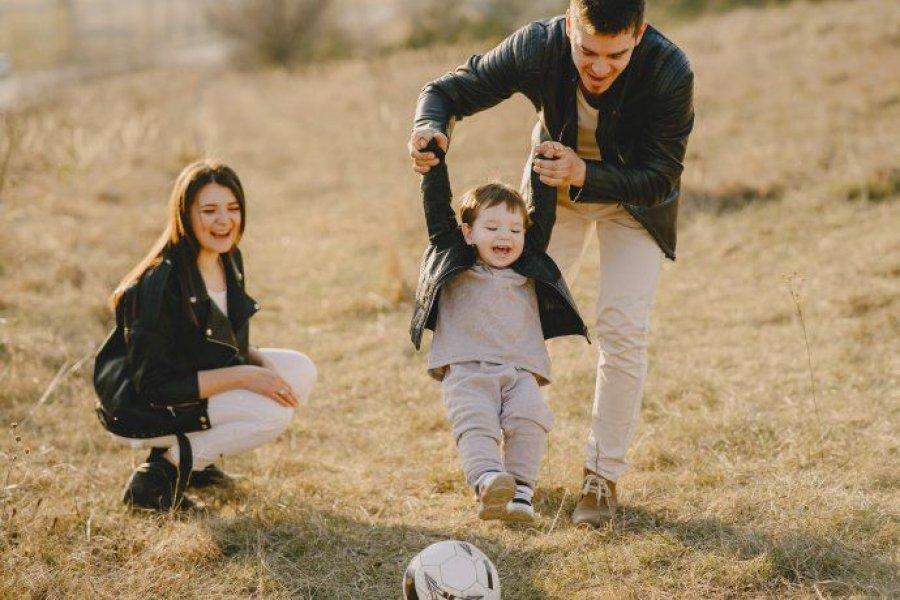 El Senado dio dictamen a un proyecto para ampliar licencias de maternidad y paternidad