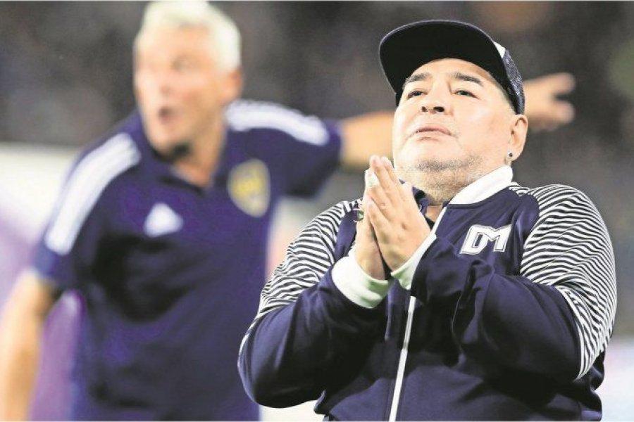 Muerte de Maradona: el coordinador de los enfermeros complicó a Agustina Cosachov