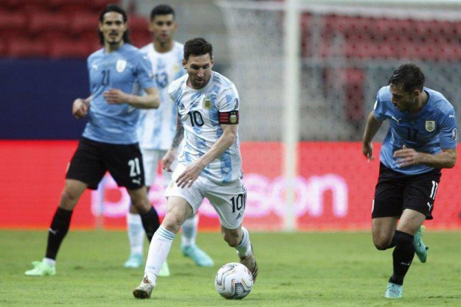 Messi brilló, la Selección ganó y encamina el pase a cuartos