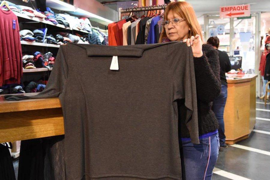 Las personas con obesidad son las más excluidas cuando van a comprarse ropa