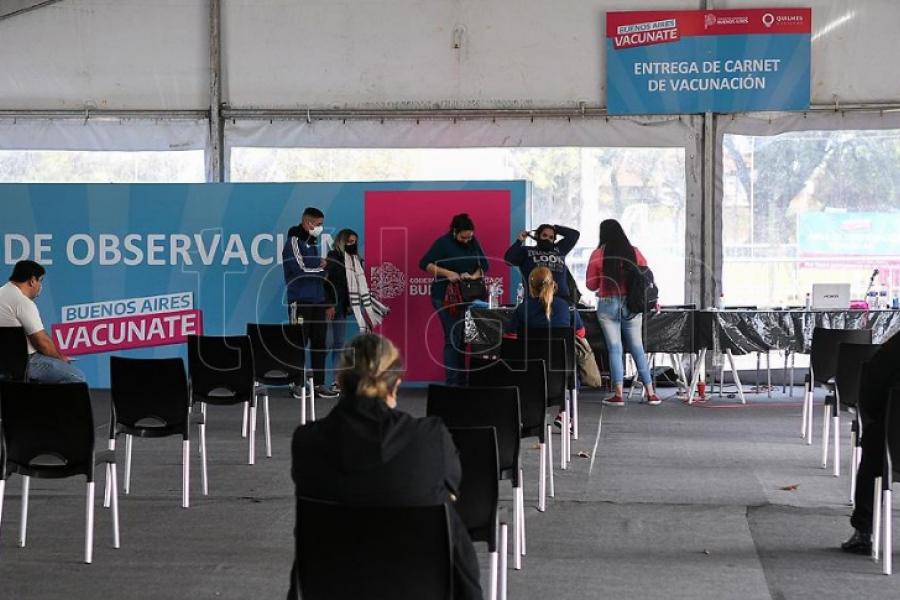 Comenzó la vacunación libre para mayores de 55 años en la provincia de Buenos Aires
