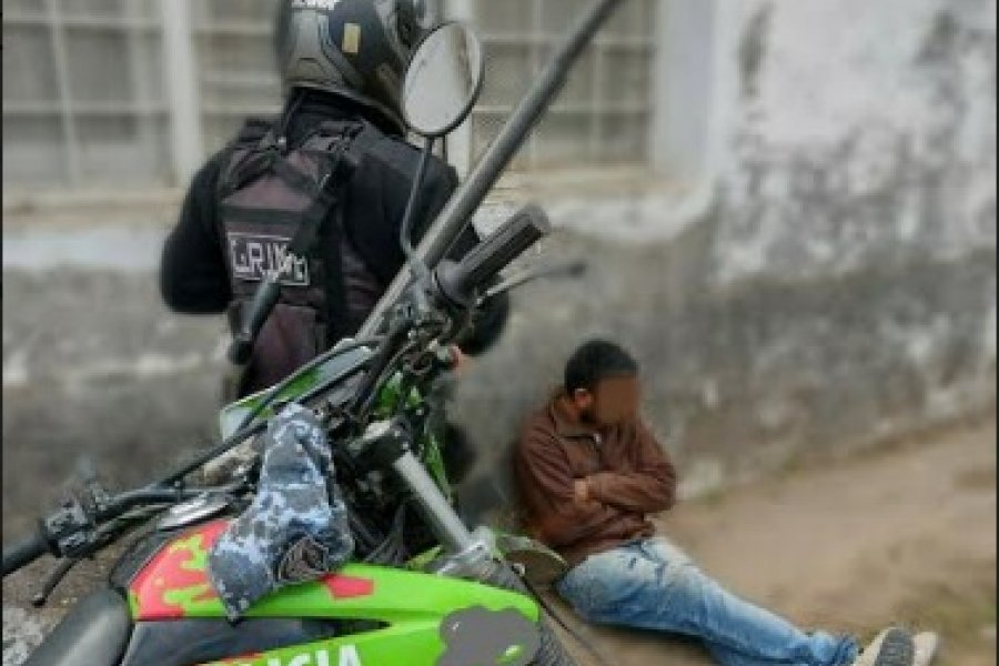 Demorado por disturbios en la vía pública: Agredió a transeúntes y policías