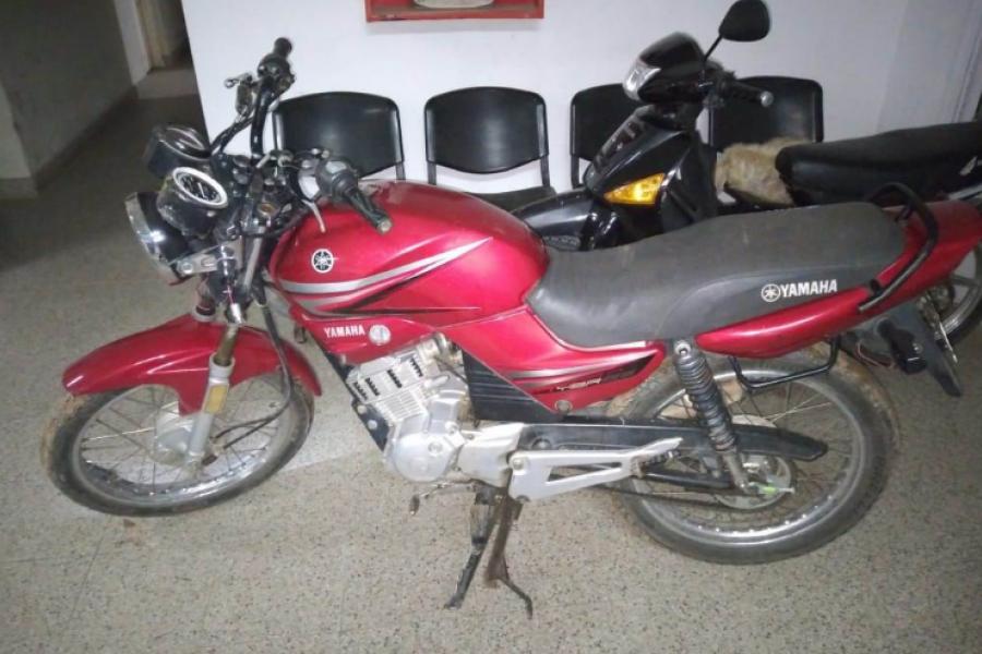 Ladrones derraparon y abandonaron una motocicleta robada