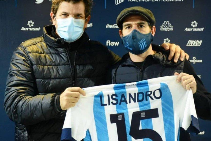Lisandro López firmó su contrato en Racing