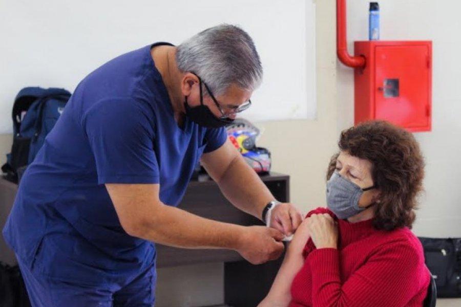 Sin vacunas la Provincia habilita turnos para 45 mil personas