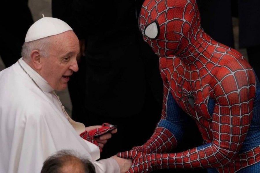 El papa Francisco se encontró con el Hombre Araña