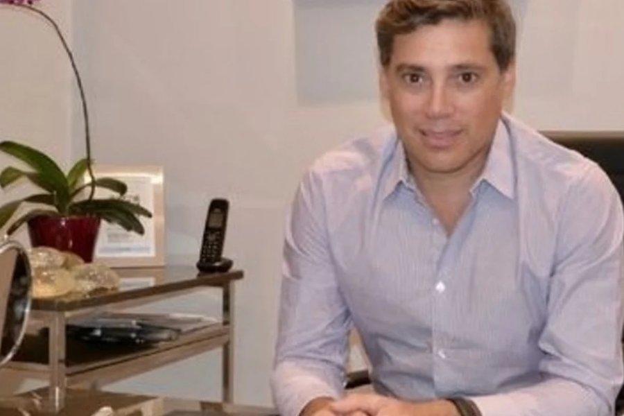 Quien es Andrés Galfrascoli, el cirujano de los famosos que permanece desaparecido