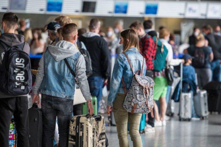 Viajes de egresados a Mallorca provocaron un brote masivo de coronavirus