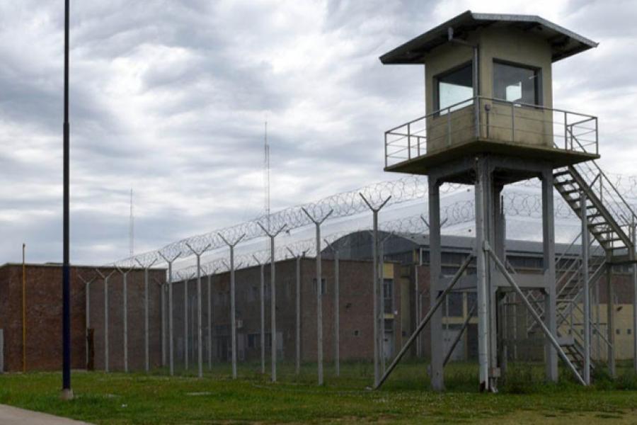 Un muerto y un herido tras tiroteo y fuga de varios presos de la cárcel de Piñero