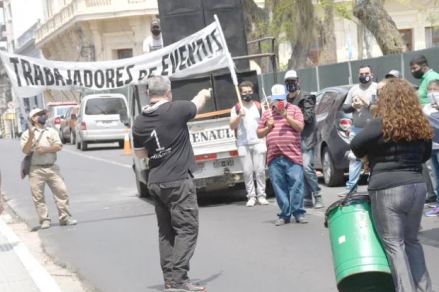 Eventos: Trabajadores insisten en la vuelta de fiestas en domicilios
