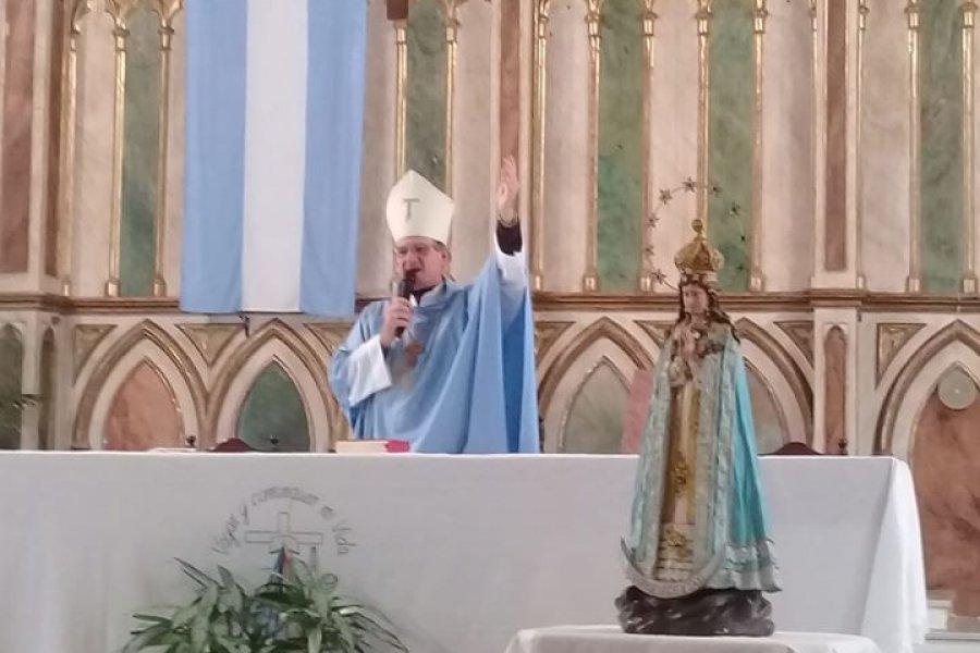 Monseñor Canecin anima a vivir con alegría la novena de la virgen de Itatí