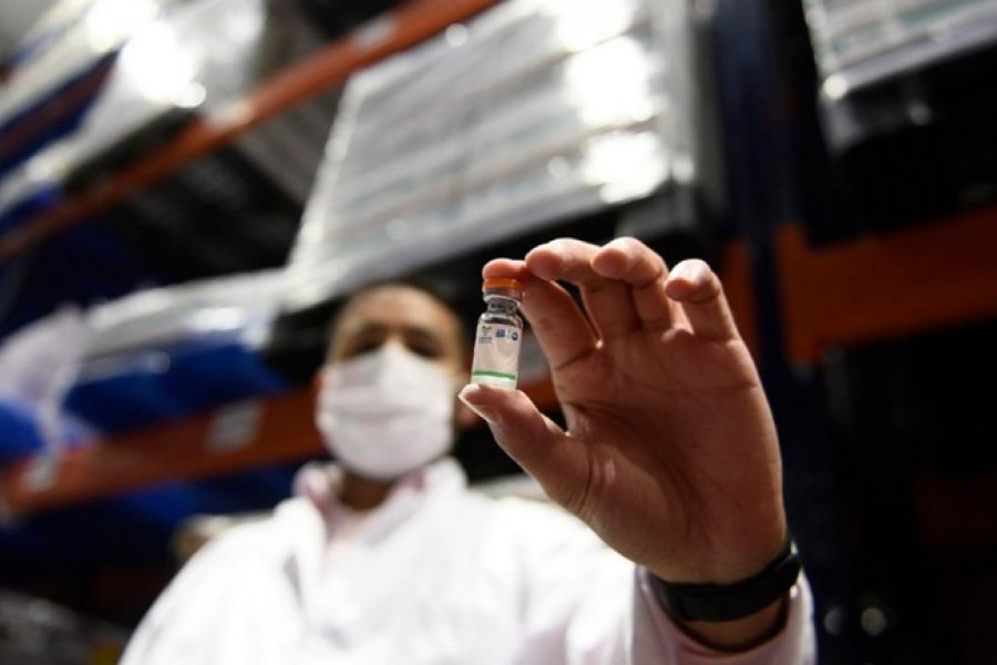 Preparan 10 vuelos a China para traer 8 millones de vacunas Sinopharm