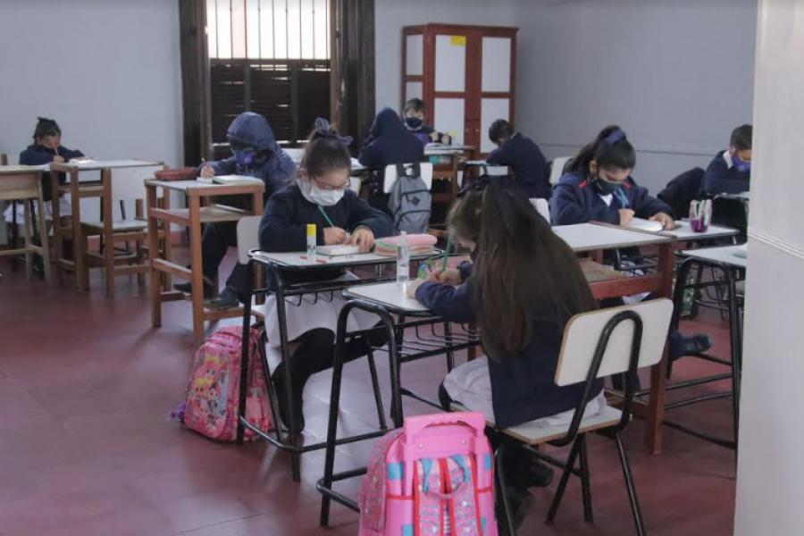 Piden en la Justicia suspender clases presenciales en Corrientes