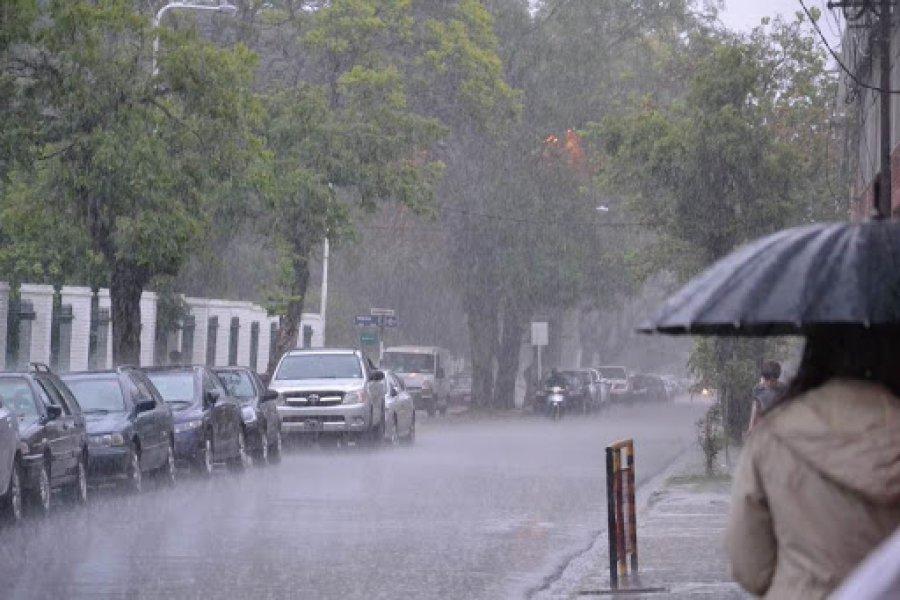 Pronostican lluvias y frío para este martes en Corrientes