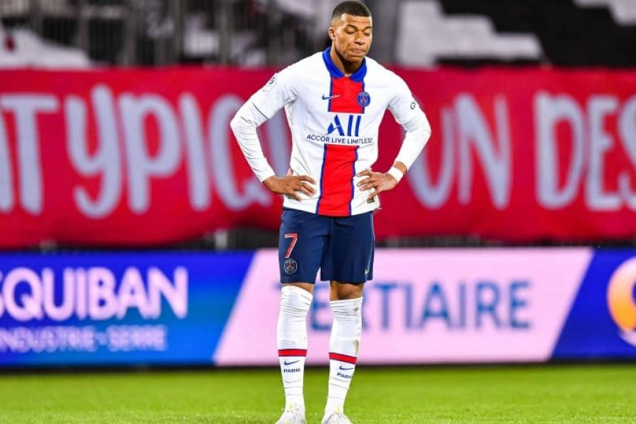 Kylian Mbappé condiciona al París Saint Germain para su renovación