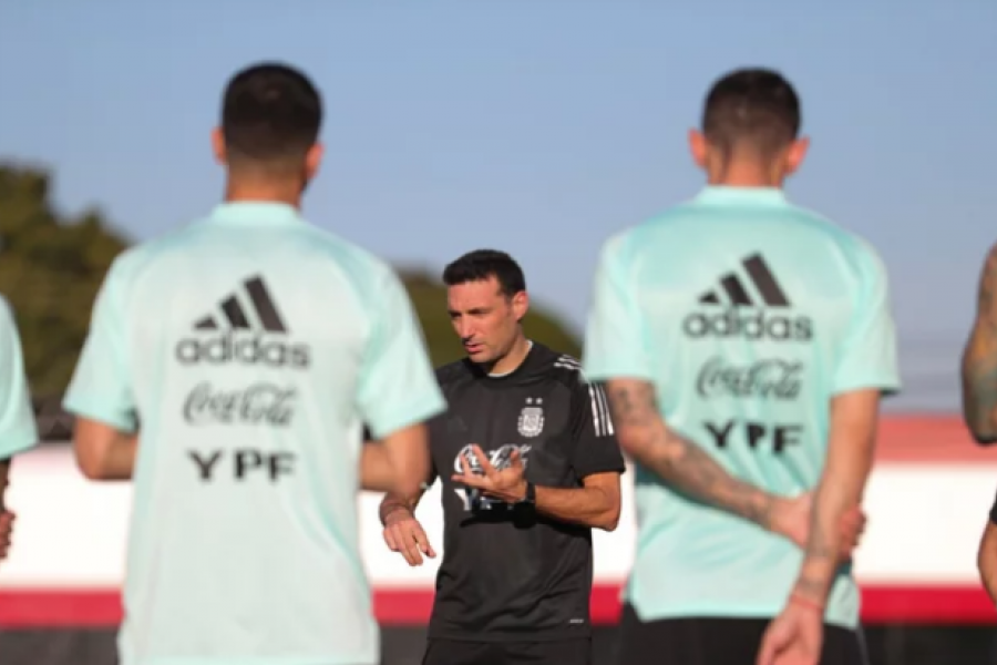 Lionel Scaloni maneja variantes para el duelo contra Colombia