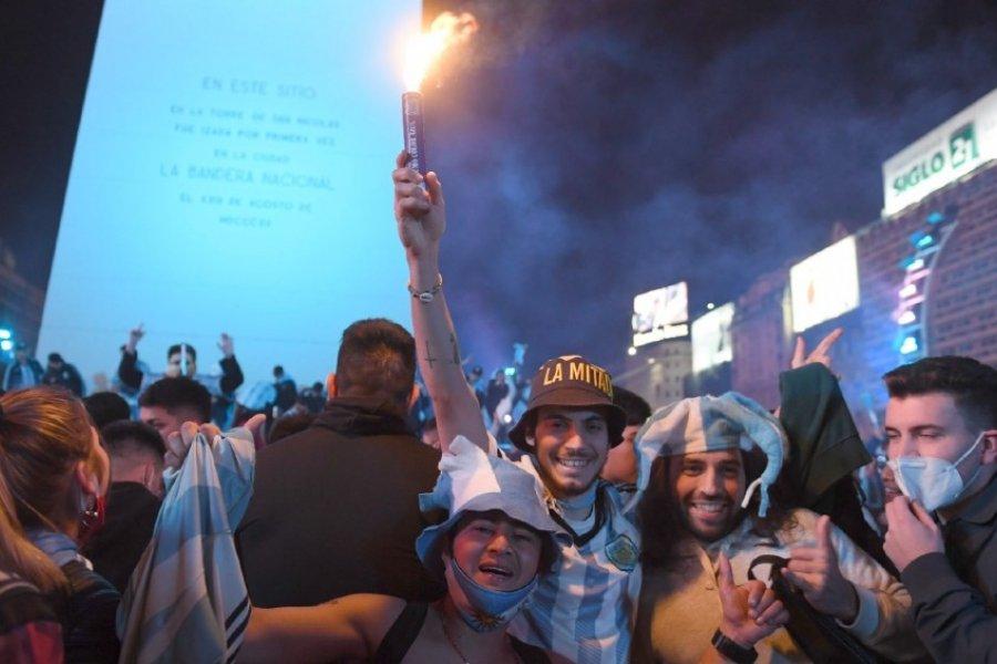 Delirio por la conquista de la Copa América: los fanáticos se concentraron para festejar