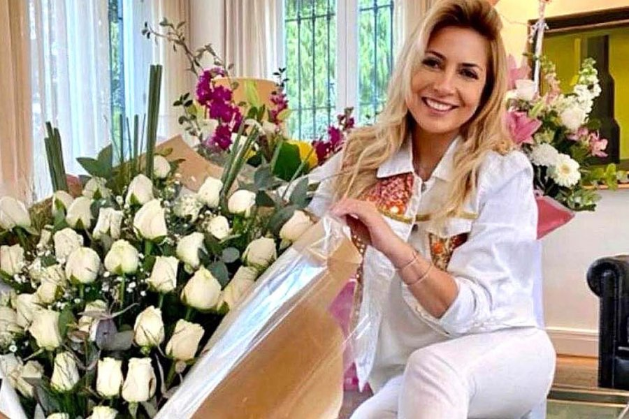 Rodeada de flores en Olivos, Fabiola Yañez cumplió 40 años y agradeció a su amor
