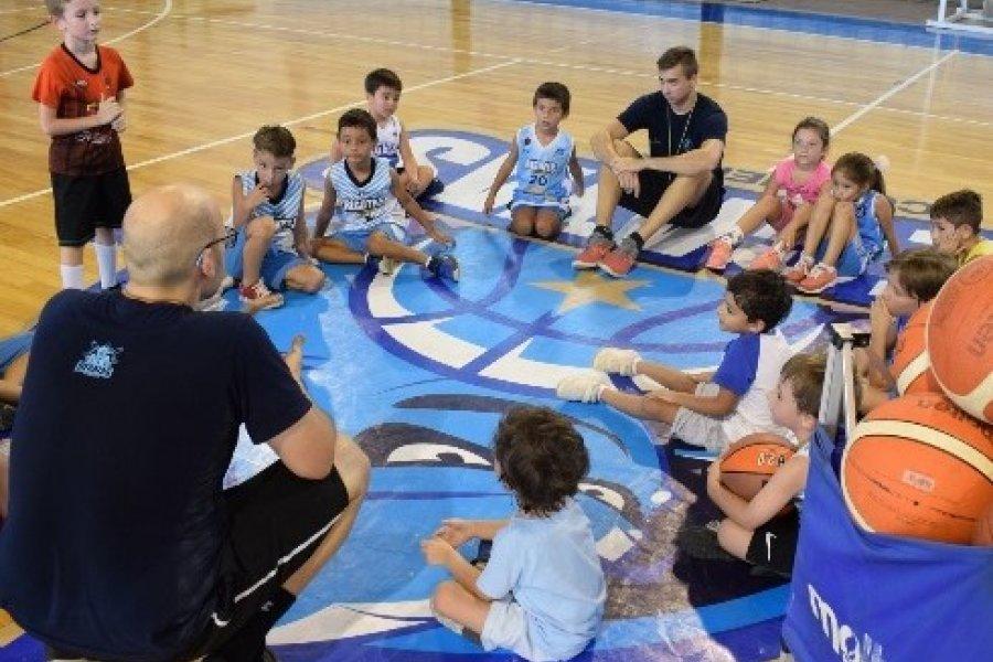Se reactivaron las escuelas deportivas en el Club Regatas