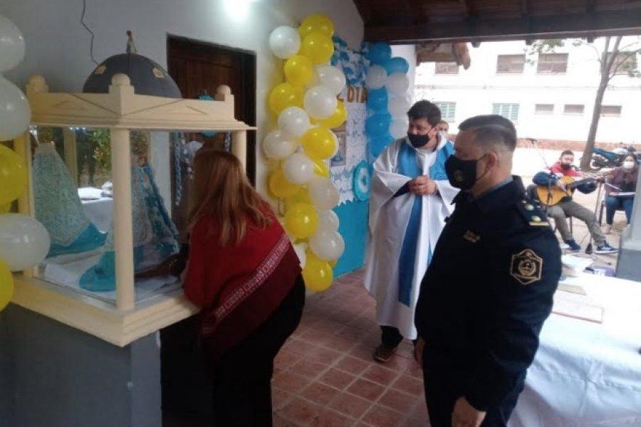 Entronización de la imagen de la Virgen de Itatí en la Comisaría de Riachuelo