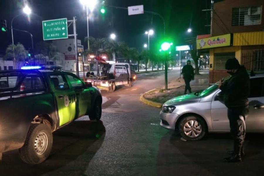 Policías demoraron al conductor de un auto en estado de ebriedad