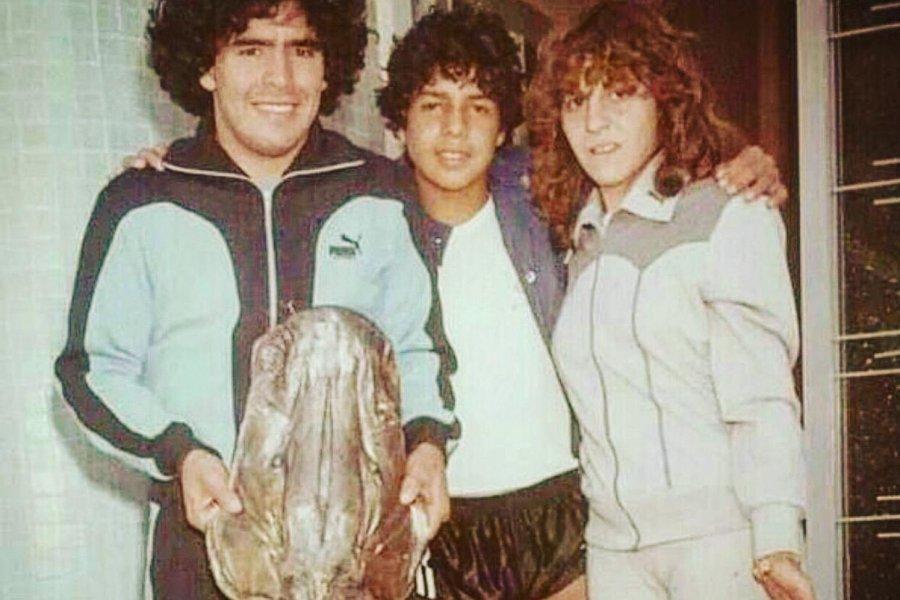 Recordaron a Diego Maradona con una foto en Esquina