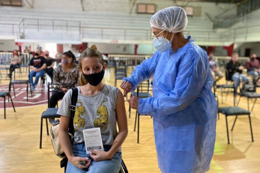 Arranca la vacunación anticovid a mayores de 18 años en Corrientes