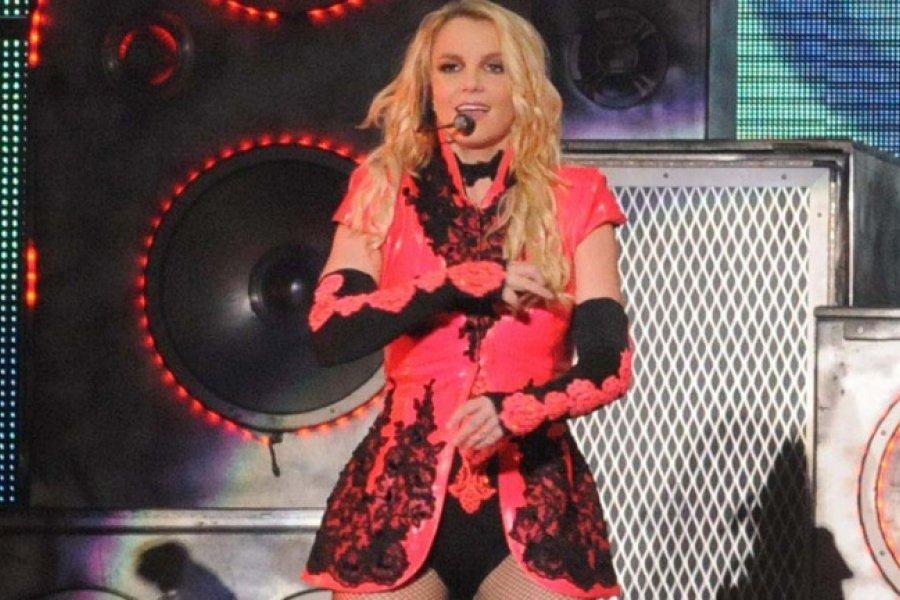 Britney Spears abandona los escenarios hasta que recupere el control de su carrera