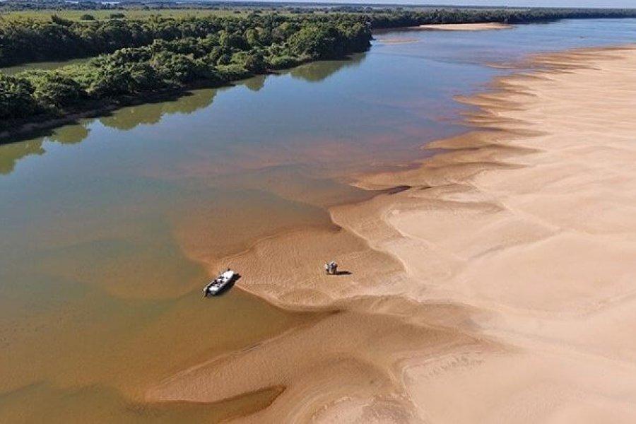 Emergencia hídrica: ya se puede caminar sobre el río Paraná en Corrientes