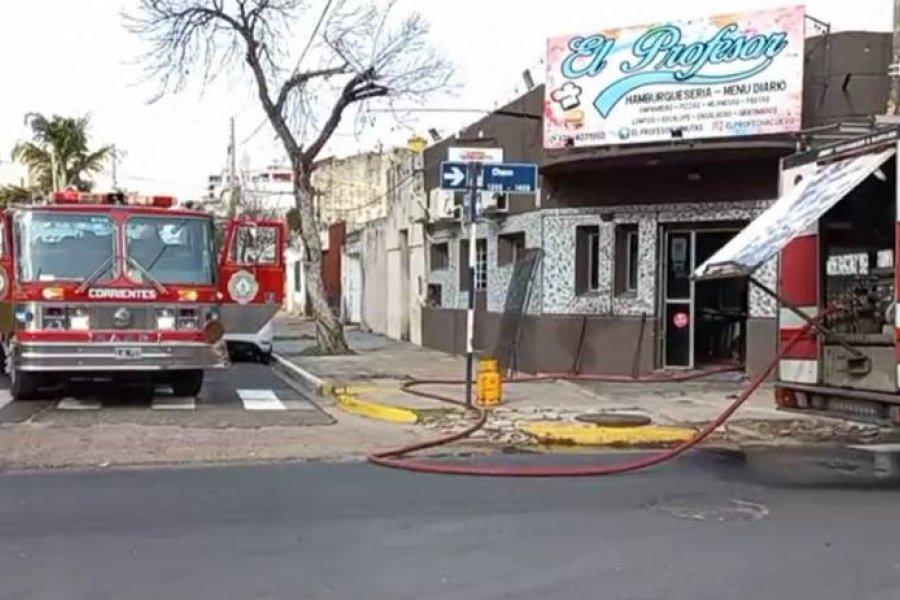 Se incendió una hamburguesería en el barrio Camba Cuá