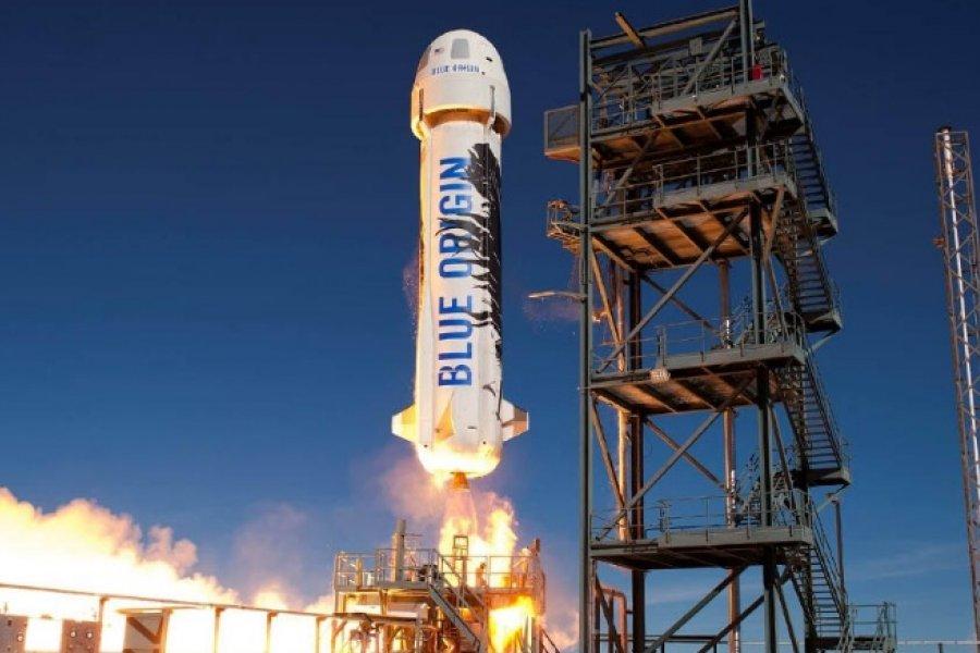 Jeff Bezos viajó con éxito al espacio