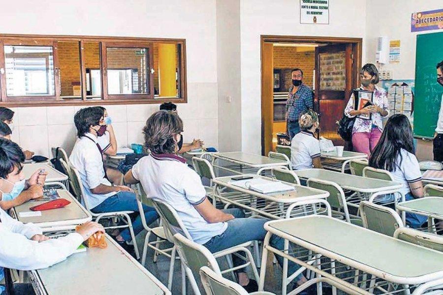 Gremios docentes rechazan el anuncio de presencialidad total de Horacio Rodríguez Larreta