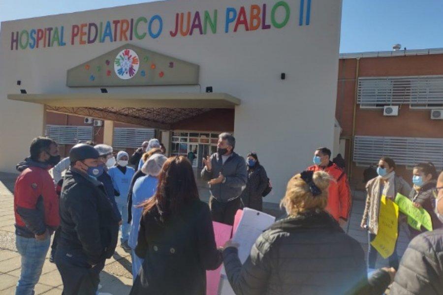 Hospital Pediátrico: Protesta de trabajadores sanitarios y amenazas