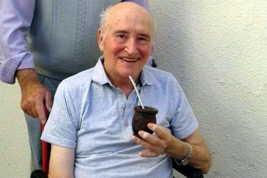 El padre Ceschi sufrió otro ACV y piden oraciones por su recuperación