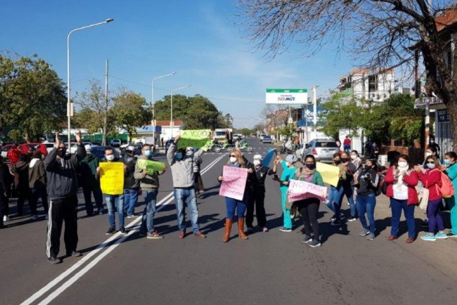 Corrientes: Enfermeros recrudecieron reclamos y cortaron la avenida Artigas