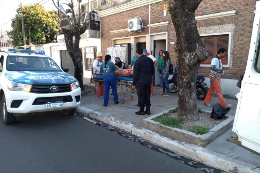 Obrero sufrió graves heridas tras caer de un tercer piso