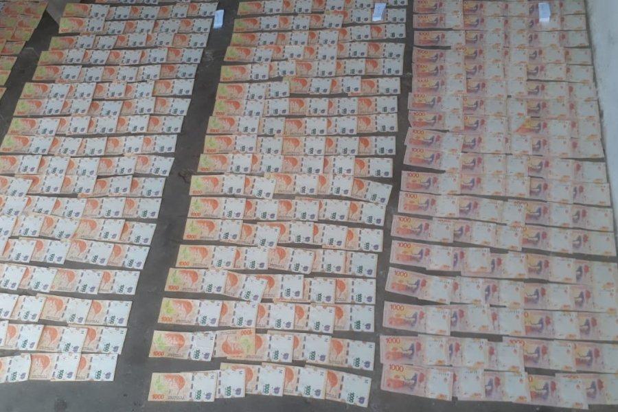 Dos detenidos y un millonario botín en Monte Caseros
